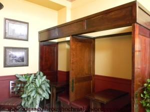 Arrow Hotel booths