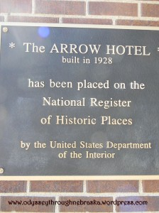 Arrow hotel historical plaque